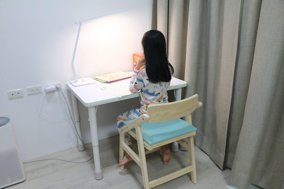 愛兒館學童椅ADATTO15