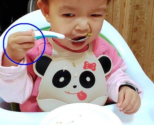 【副食品湯匙推薦】grabease 嬰幼兒奶嘴匙叉組 握柄粗圓、湯匙面大,寶寶自行學吃的好工具