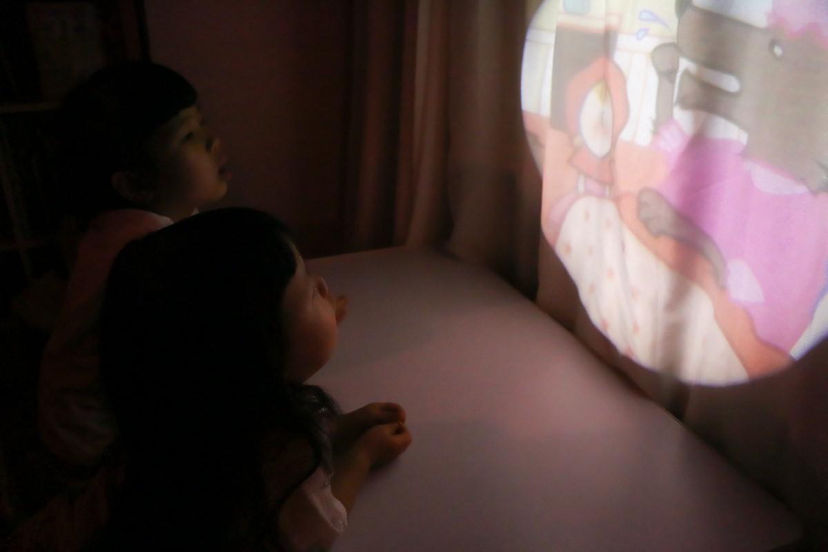 韓國Dream Tok 童夢故事投影機  在快樂中增進語言學習和各式認知